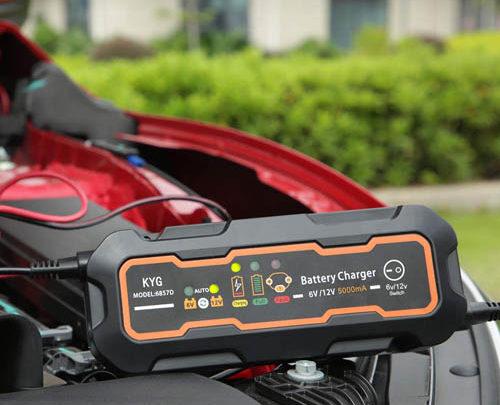 ᐅ Les 5 meilleurs chargeurs de batterie de voiture en 2021 !